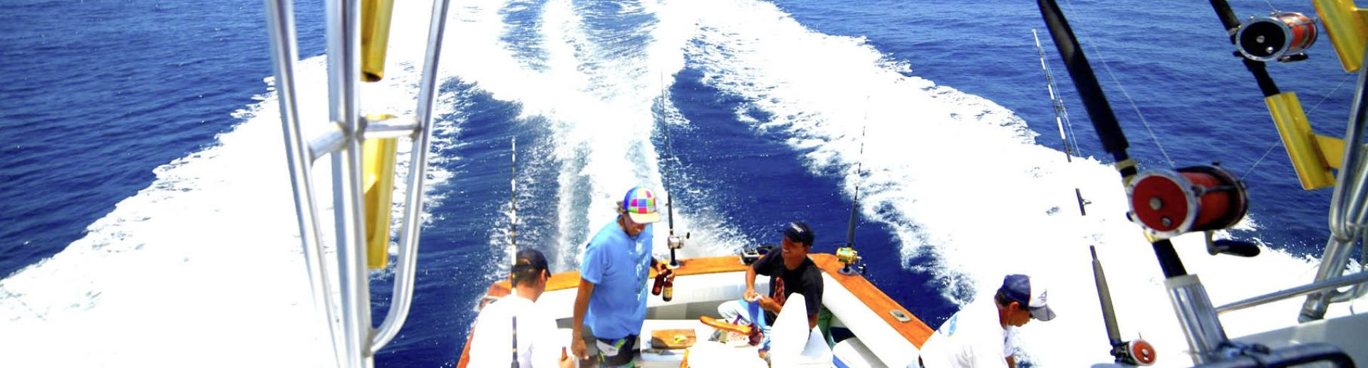 escualo-fishing-on-cruiser